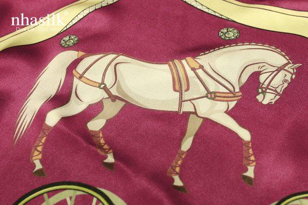 khăn lụa phục hưng hồng mận