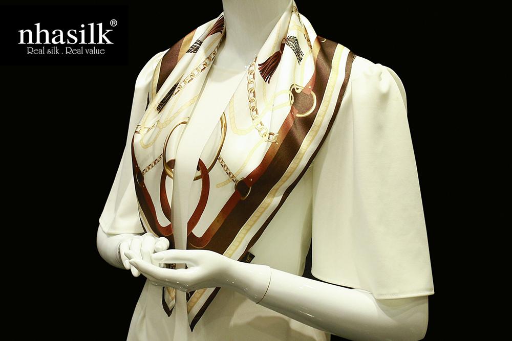 khăn lụa vuông họa tiết đương đại