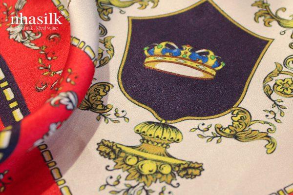 khăn lụa vương quyền đỏ
