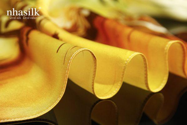 khăn lụa cầu thê húc vàng