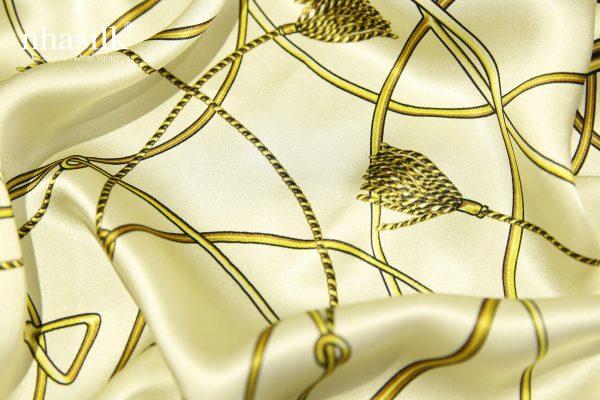 khăn lụa nghệ thuật đương đại trắng