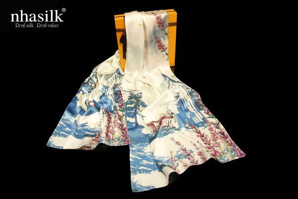 khăn lụa nhà thờ con gà Đà Lạt