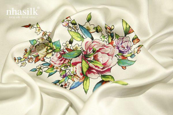 khăn lụa hoa mẫu đơn xanh hồng