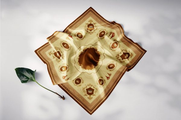 khăn lụa vuông vương quyền vàng