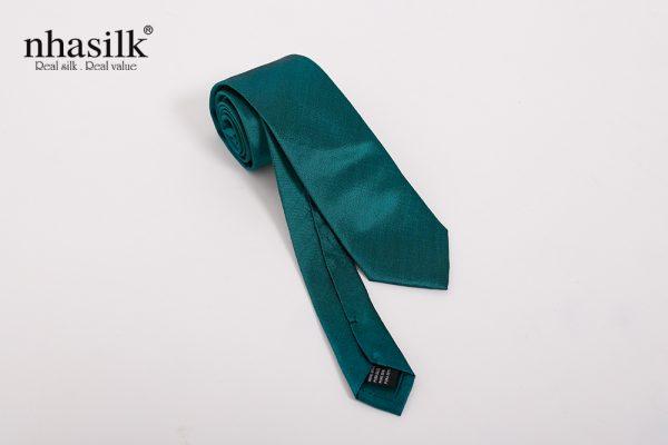 Cà vạt lụa trơn xanh cổ vịt