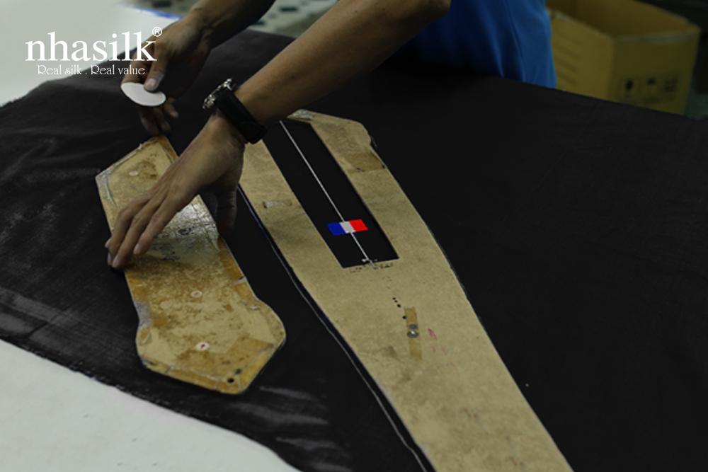 công đoạn cắt vải
