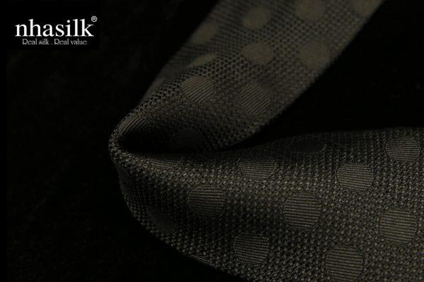 cà vạt sọc