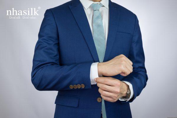 Màu xanh dương hoạ tiết ô vuông trắng