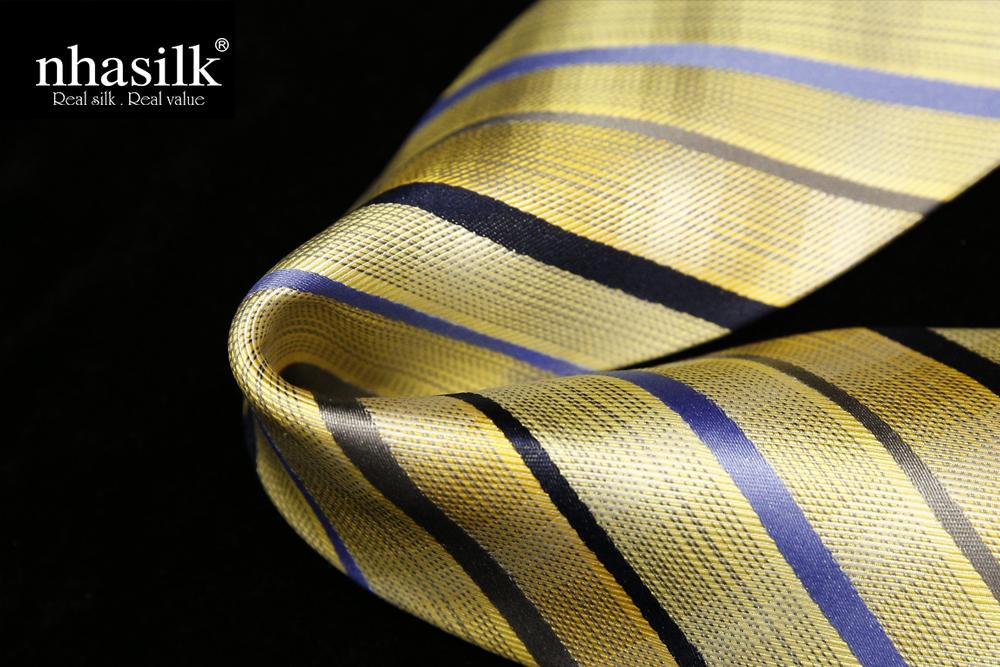 Cà vạt lụa tơ tằm vàng sọc xanh và đen