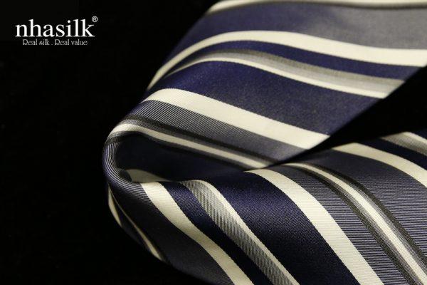 Cà vạt lụa tơ tằm sọc xanh đen xám và kem | Nhasilk