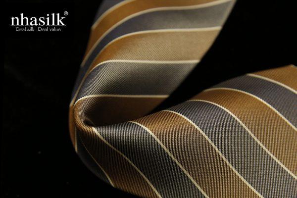 Cà vạt lụa tơ tằm sọc nâu xám | Nhasilk