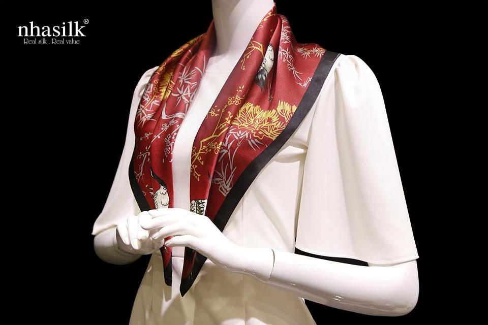 khăn lụa họa tiết hồng hạc trường thọ