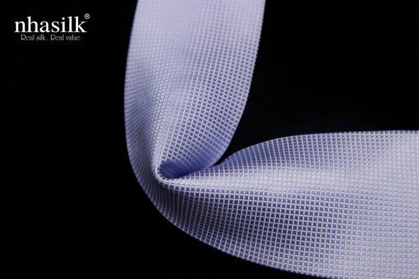 Cà vạt lụa tơ tằm màu xanh lơ họa tiết ô vuông nổi   Nhasilk
