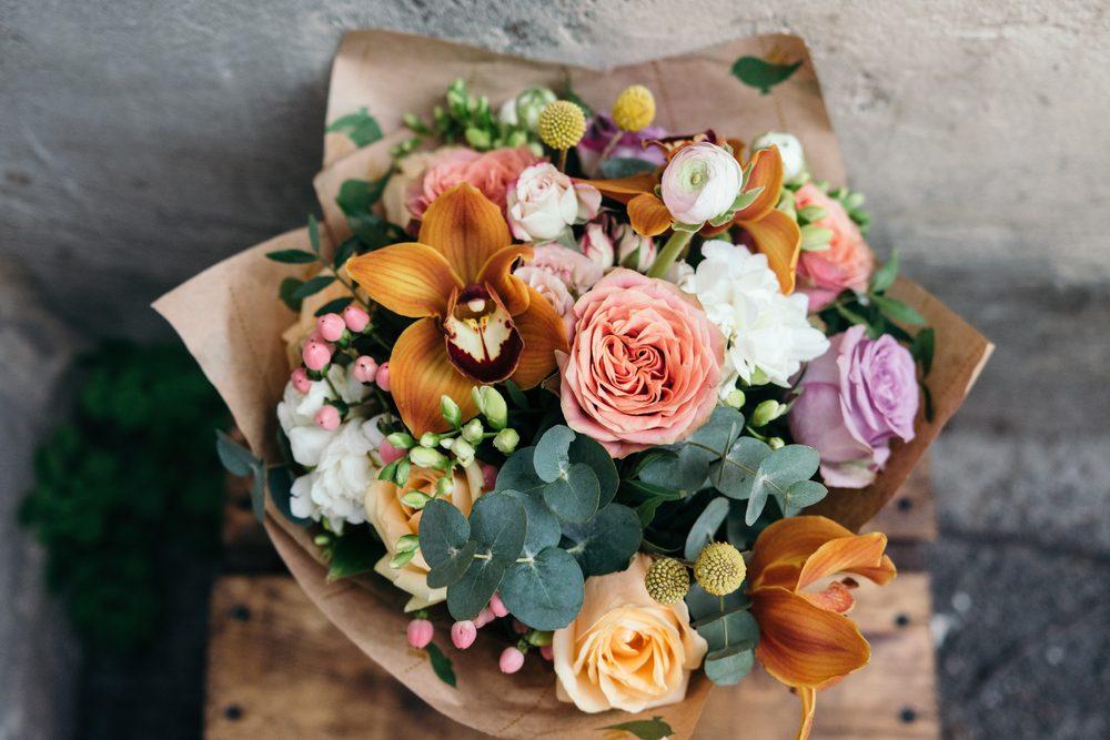 Hoa hồng - quà tặng 8-3 ý nghĩa cho vợ.