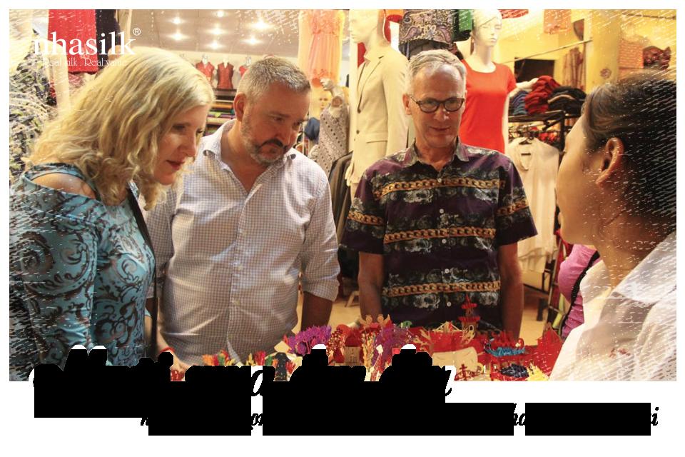 Người mua đau đầu khi phải chọn lựa quà lưu niệm cho khách nước ngoài