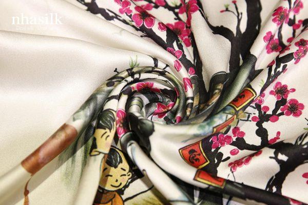 khăn lụa hoa đào