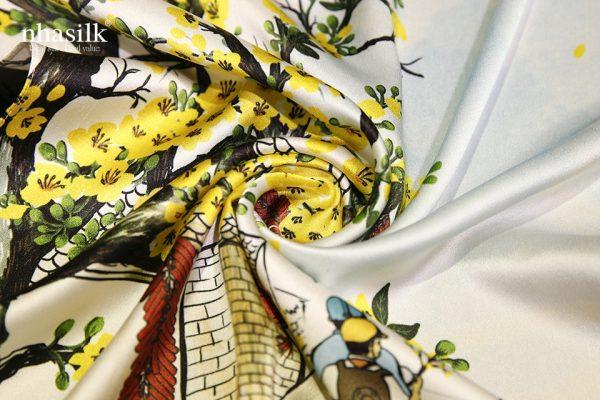khăn lụa hoa mai