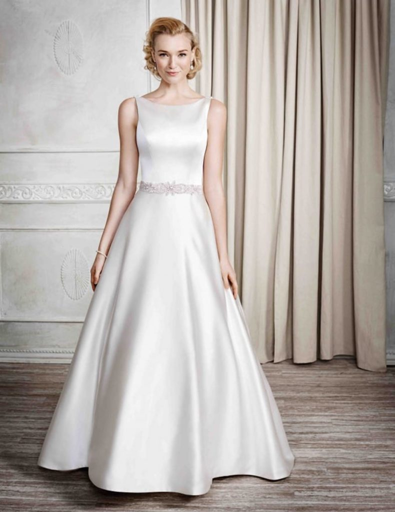 váy đầm may từ lụa tơ tằm