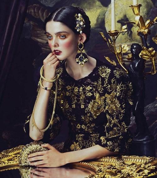 Vẻ đẹp của họa tiết nghệ thuật phục hưng trong xu hướng thời trang 2020