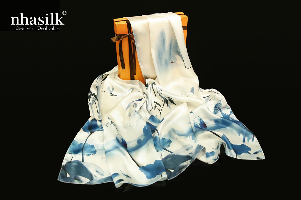 các kiểu khăn choàng cổ sang trọng tranh thủy mặc