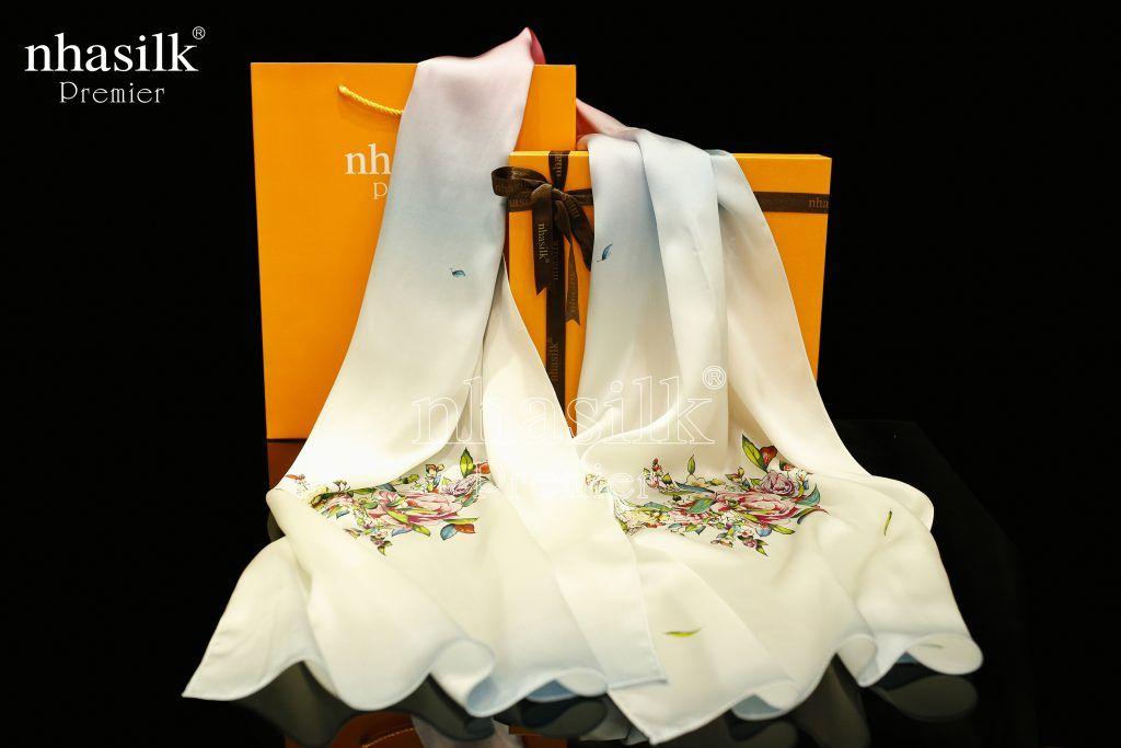 chất liệu khăn choàng cổ hàng hiệu mùa đông