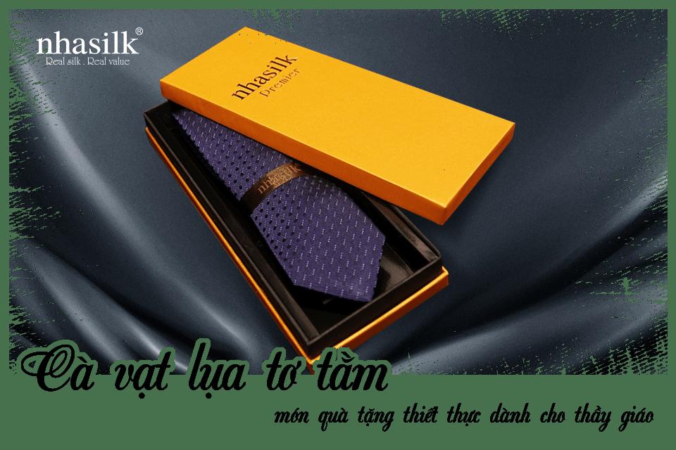 Cà vạt lụa tơ tằm món quà tặng thiết thực dành cho thầy giáo