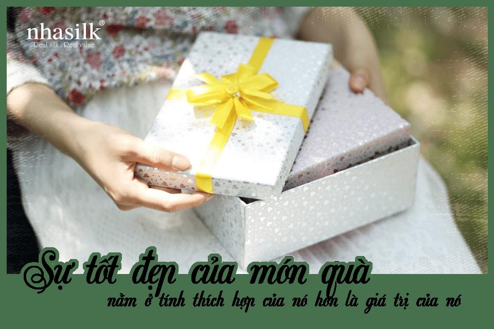 Sự tốt đẹp của món quà nằm ở tính thích hợp của nó hơn là giá trị của nó
