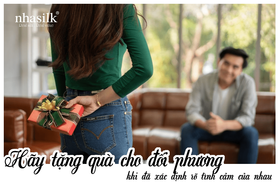 Hãy tặng quà cho đối phương khi đã xác định rõ tình cảm của nhau