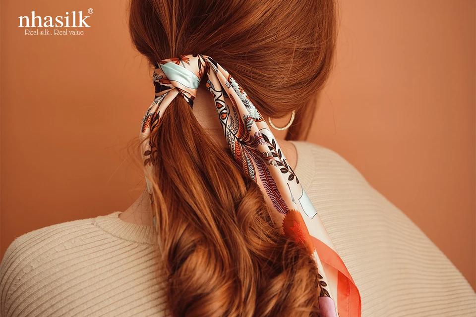 Khăn lụa buộc tóc