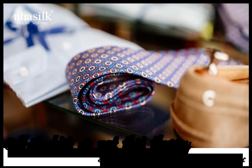 Một chiếc cà vạt thời thượng sẽ nhân đôi đẳng cấp cho bộ trang phục